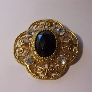 Black Faceted Cabochon Gold Tone Filigree Brooch